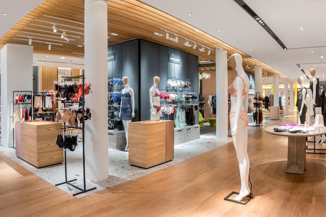 Vu au bon march welcome to the new lingerie department - Le bon marche luminaires ...
