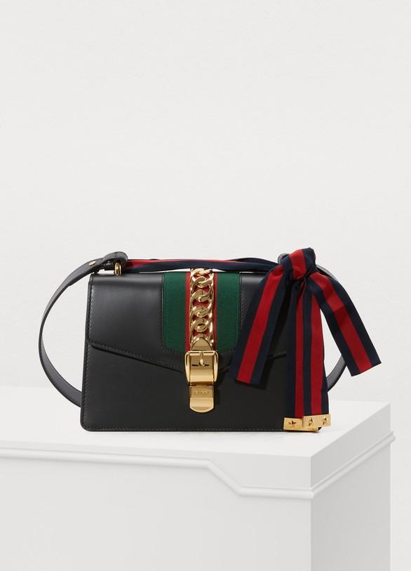Sac porté épaule Sylvie en cuir femme   Gucci   24 Sèvres b69d554ecbb