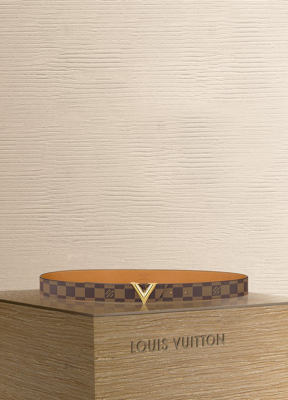 Louis Vuitton Essential V 30mm
