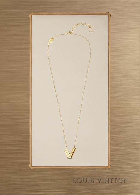 Louis VuittonCollier LV & Me, lettre V