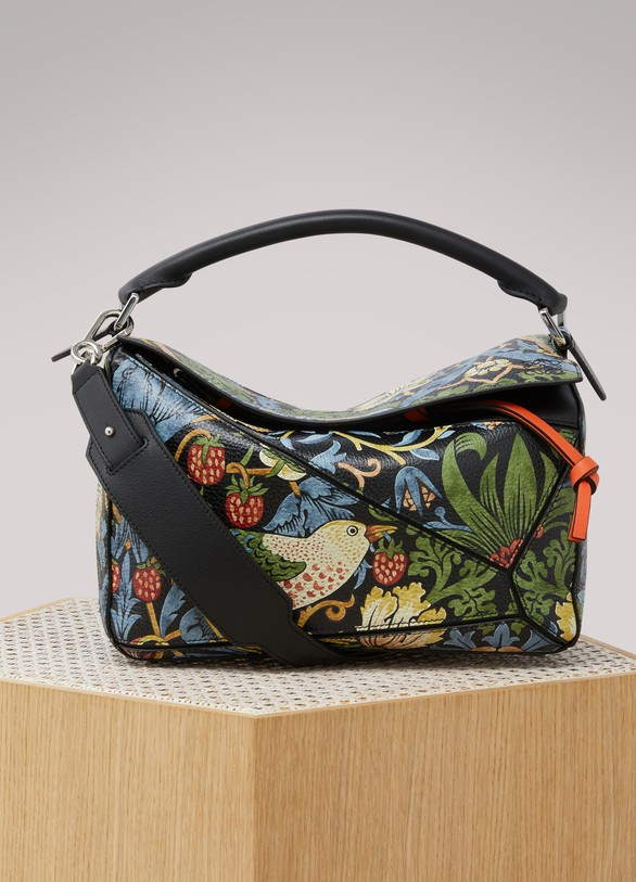 LoeweStrawberry puzzle bag