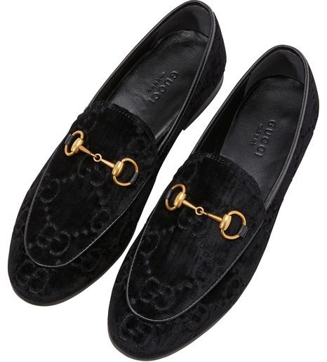 sélectionner pour l'original complet dans les spécifications avant-garde de l'époque Mocassins Gucci Jordaan en velours à motif GG