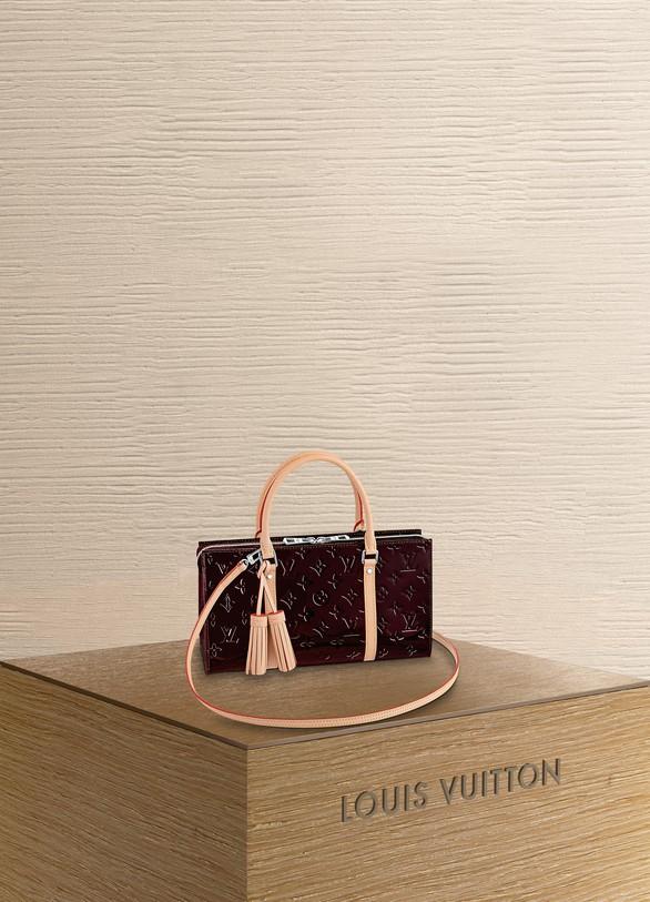 Louis VuittonNéo Triangle