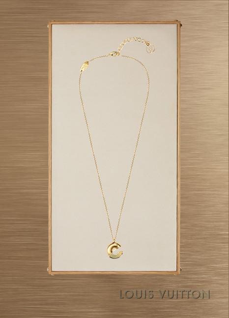 Louis VuittonCollier LV & Me, lettre E