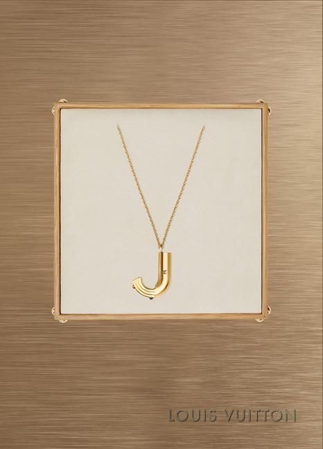 Louis VuittonCollier LV & Me, lettre J