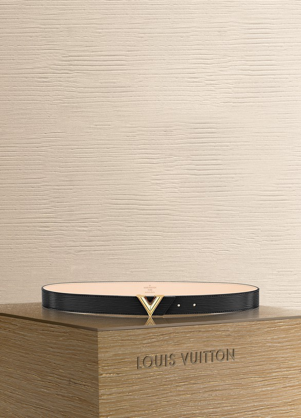 Louis Vuitton Essential V 30 mm