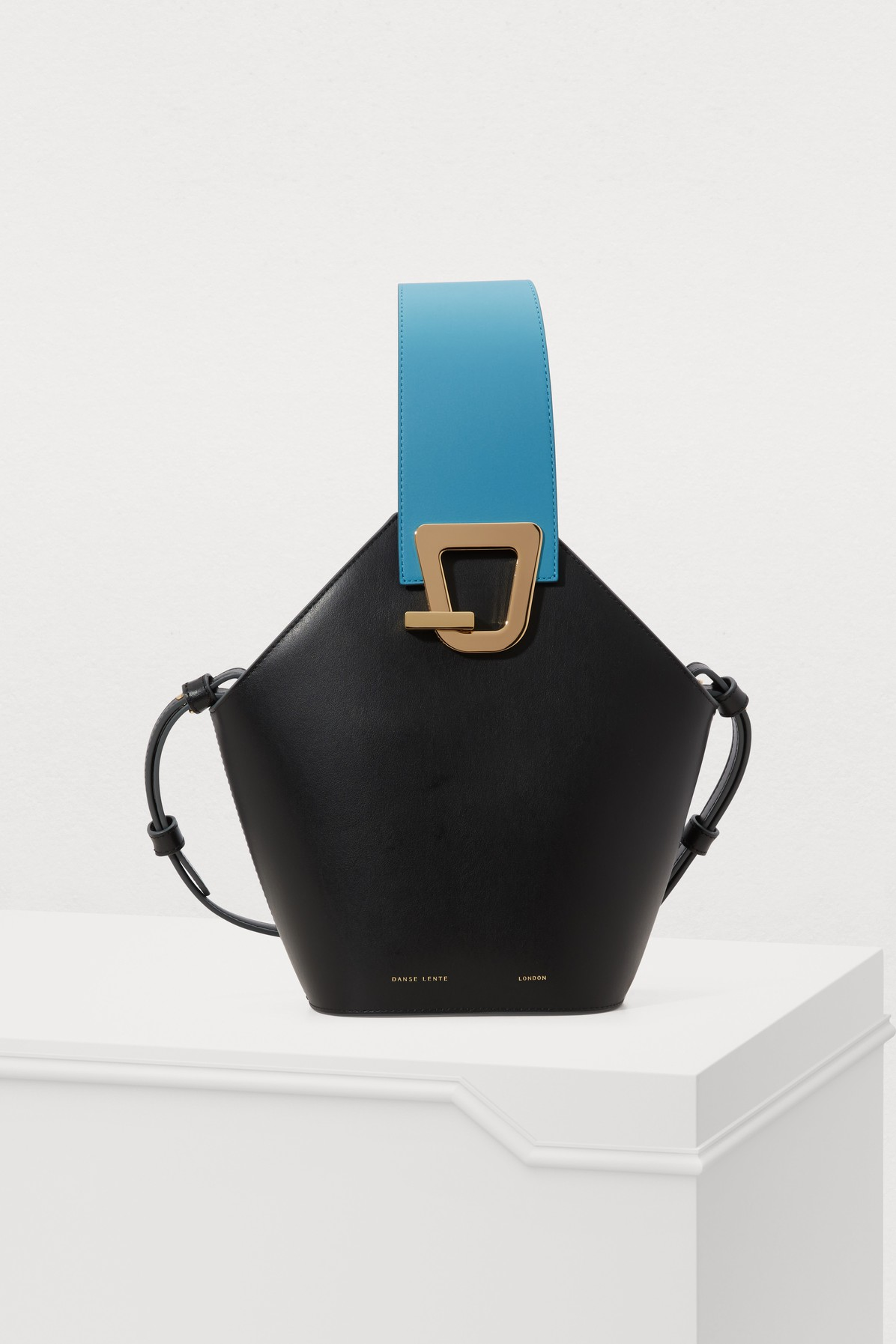 DANSE LENTE | Johnny Bucket Bag | Goxip