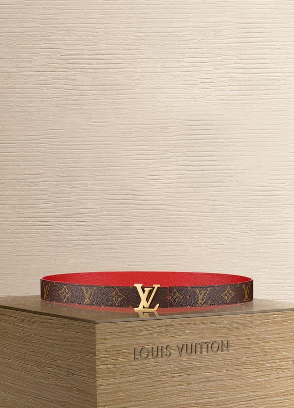 a24ec69a4db3 Louis Vuitton LV Initiales 30MM Reversible ...