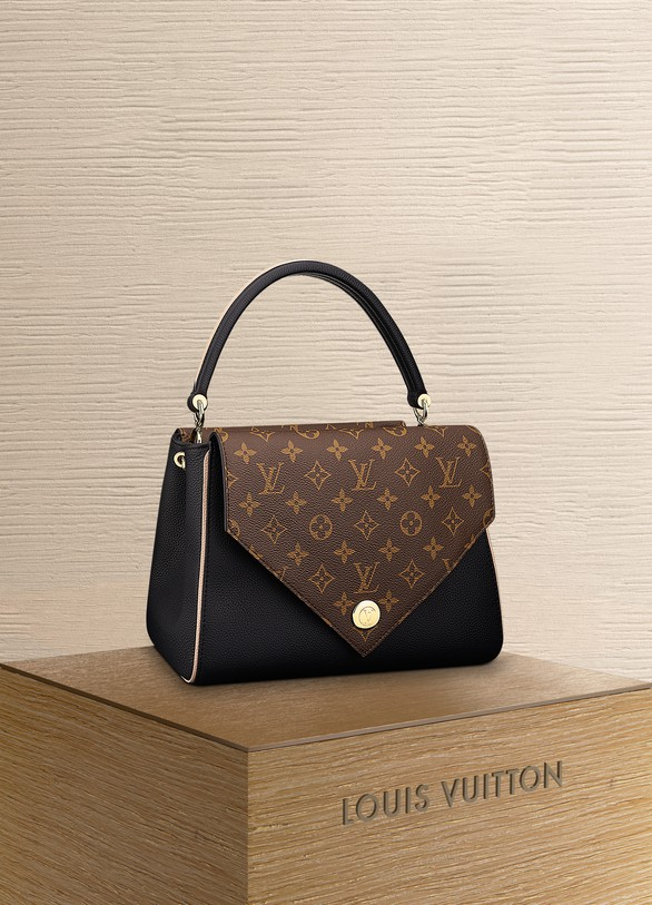 06edf3d6c577 Louis Vuitton. Louis Vuitton Double V