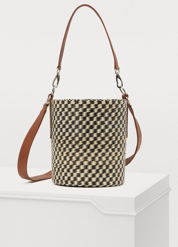 Sensi Studio Bucket bag worn on the shoulder