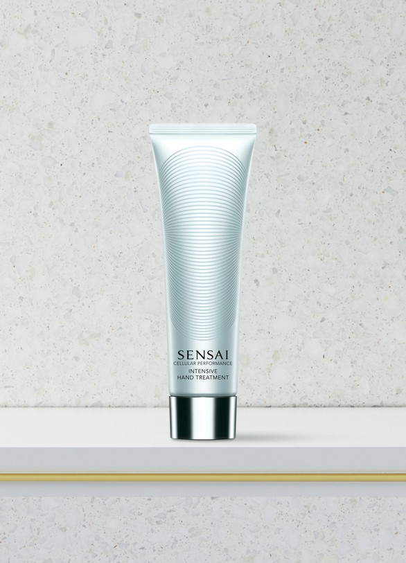 Sensai Cellular Performance Intensive Hand Treatment