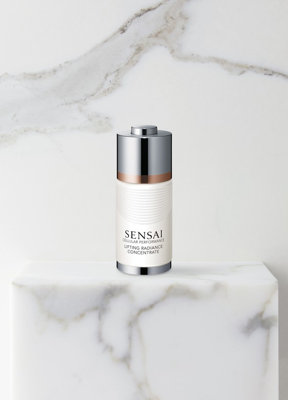 SENSAICellular Performance Lifting Radiance Concentrate