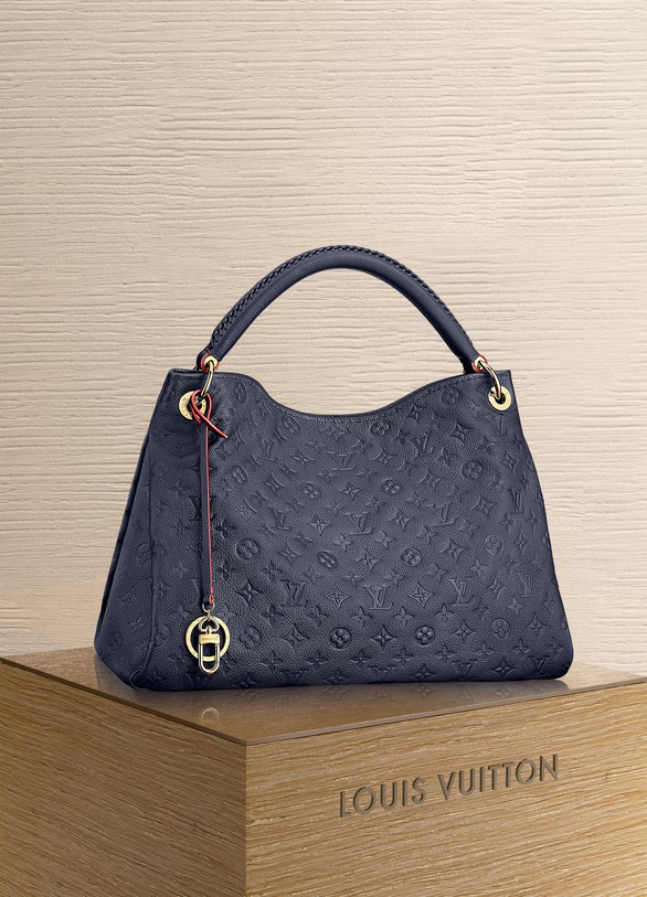 bbb53da7564f Louis Vuitton Artsy MM