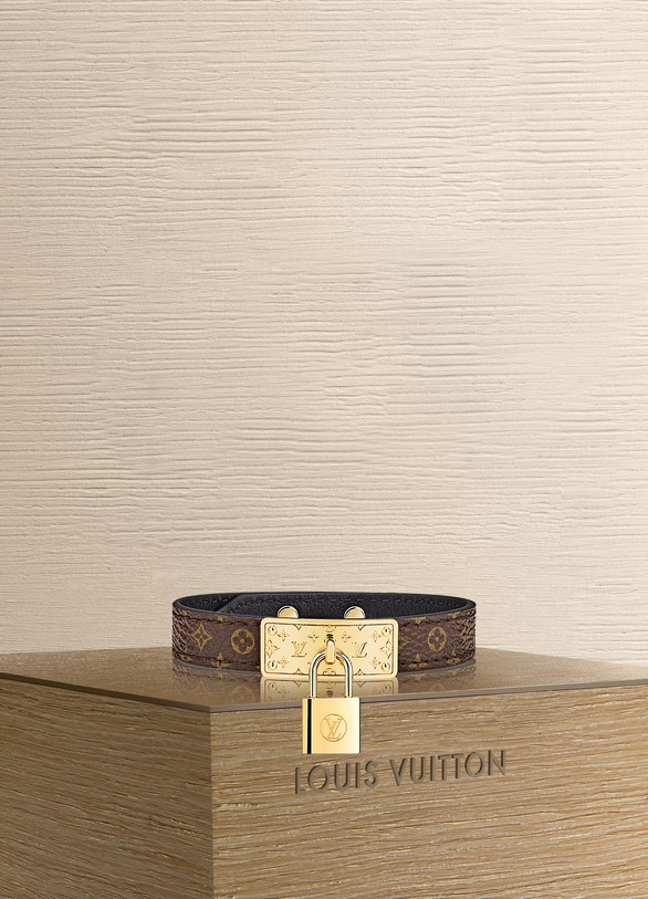 Louis Vuitton Bracelet Lock me en cuir