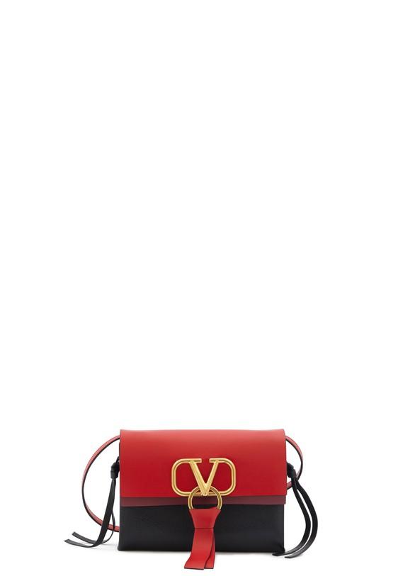 VALENTINOValentino Garavani Vee Ring crossbody bag