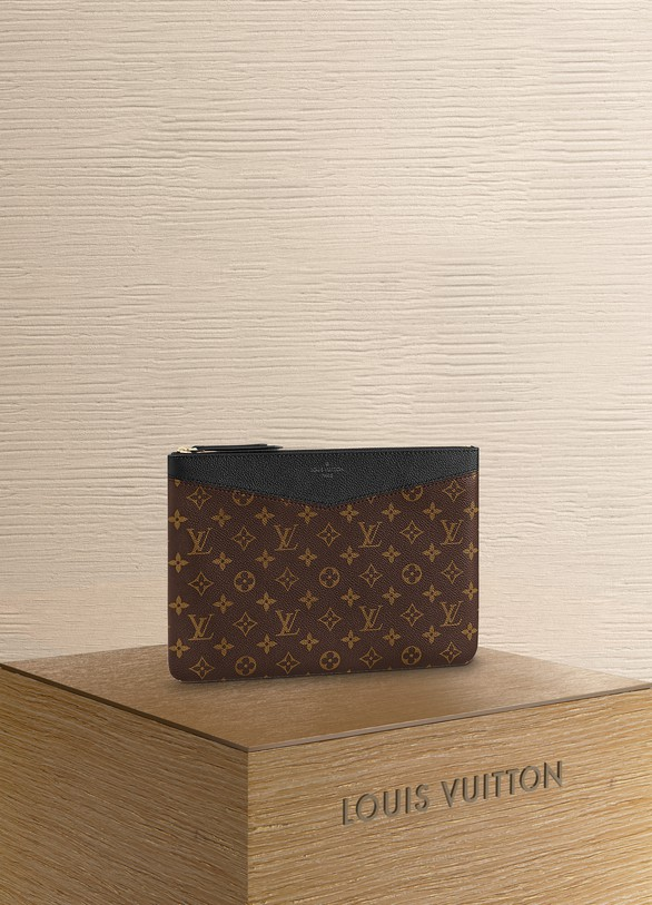 Louis Vuitton Pochette Daily Pouch