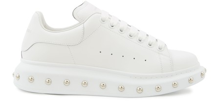 Alexander Mcqueen Larry Studded White Leather Sneakers In White-Silver