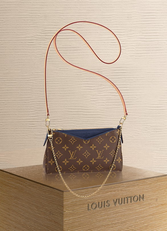 9fa461d2ebea Louis Vuitton Pallas Clutch