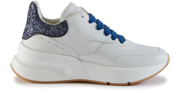 Oversize running sneakers