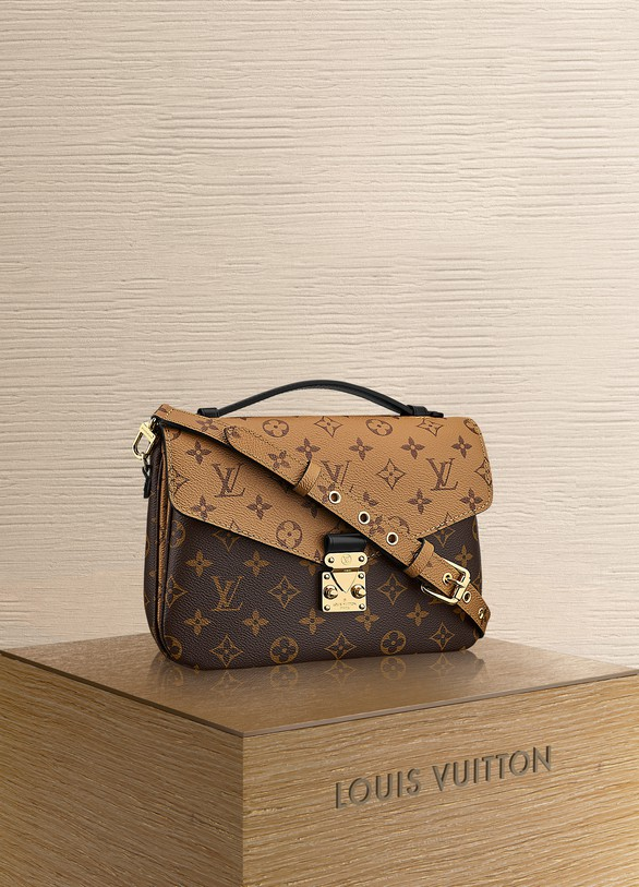 Women S Pochette Metis Louis Vuitton 24 Sevres