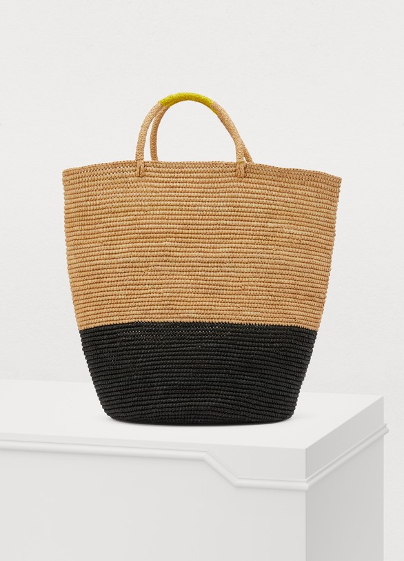 Sensi Studio Basket carried by hand