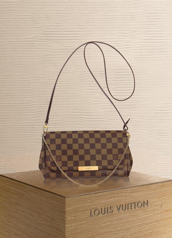 Louis VuittonPochette Favorite MM