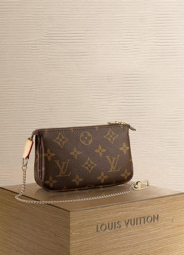 afca028cb0 Mini Pochette Accessoires femme | Louis Vuitton | 24S | 24S