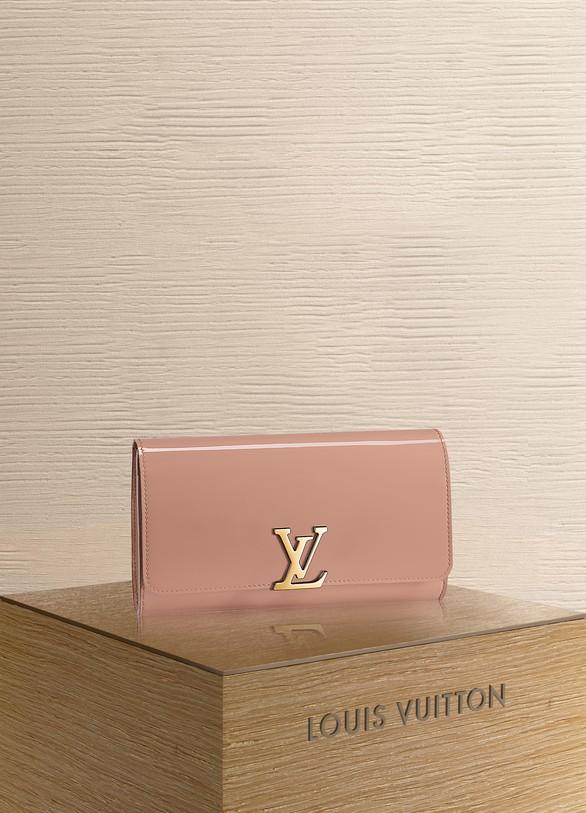974fc4d63391 Louis Vuitton Louise Clutch EW
