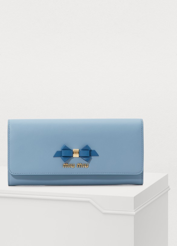 222e07b44040 Women s Bow wallet