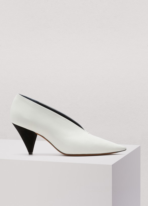 CELINE | Soft V neck pumps in Nappa lambskin | Tradition and