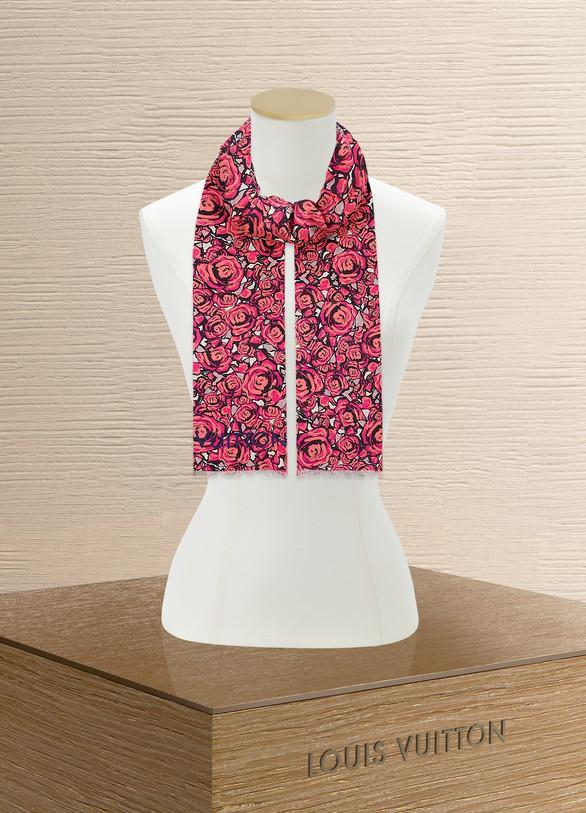 7b965449797f Étole Rock N  Roses femme   Louis Vuitton   24 Sèvres