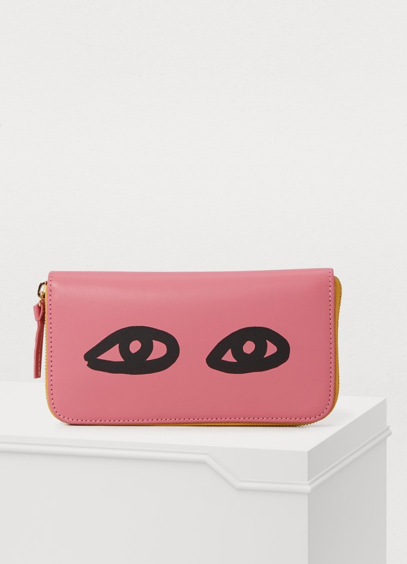 Clare VLeather eyes wallet